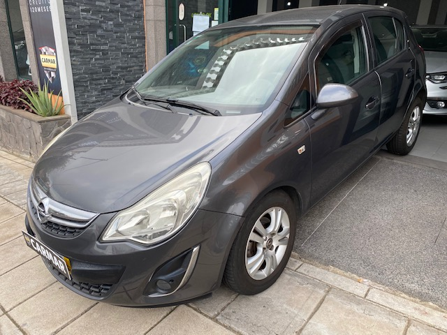 Opel Corsa 1200 CC Gasolina