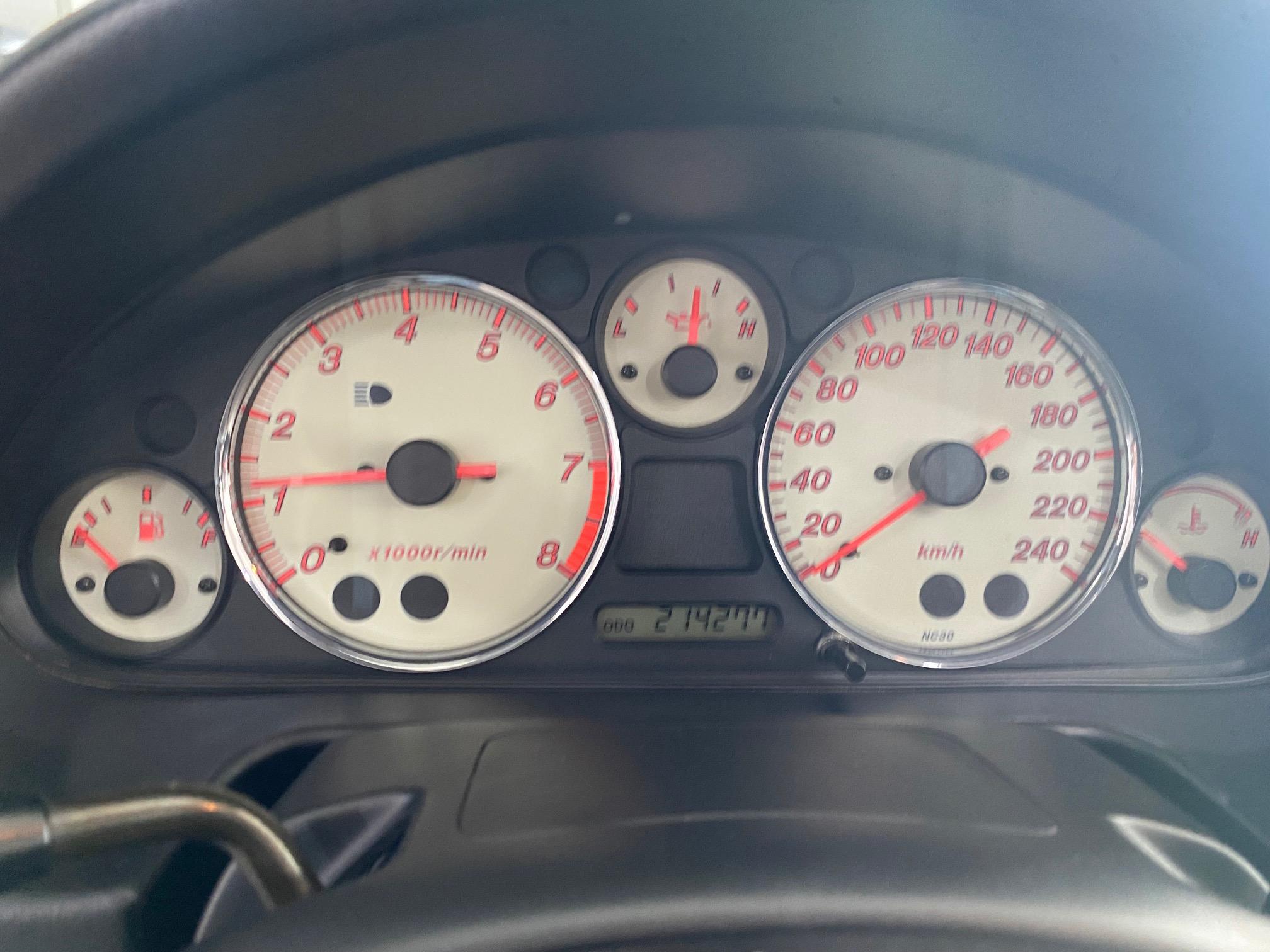 Mazda MX-5 -1598.cc – 110 CV – 2001